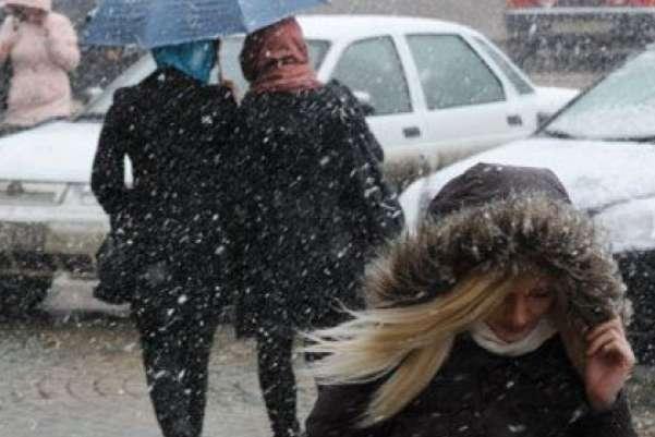 Залишайтеся вдома: На Україну насувається шторм