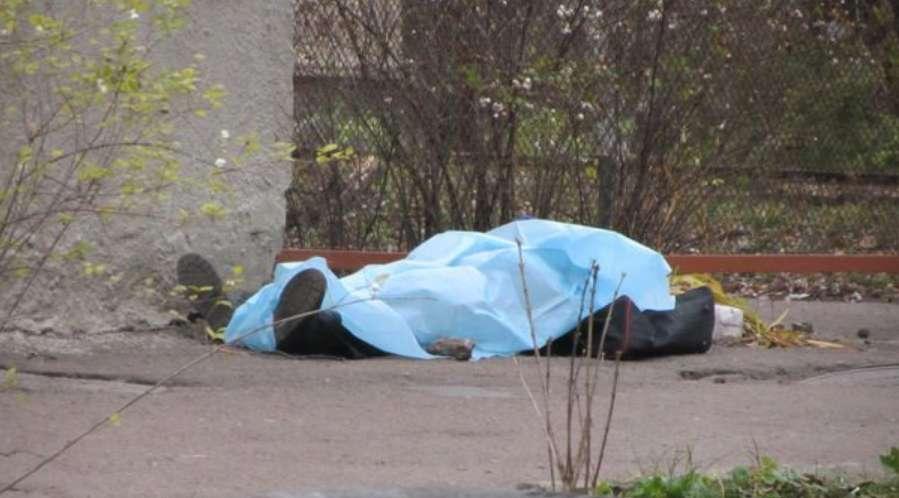 """""""Знайдений в дворі """": Відомого депутата від БПП жорстоко забили майже біля дому"""