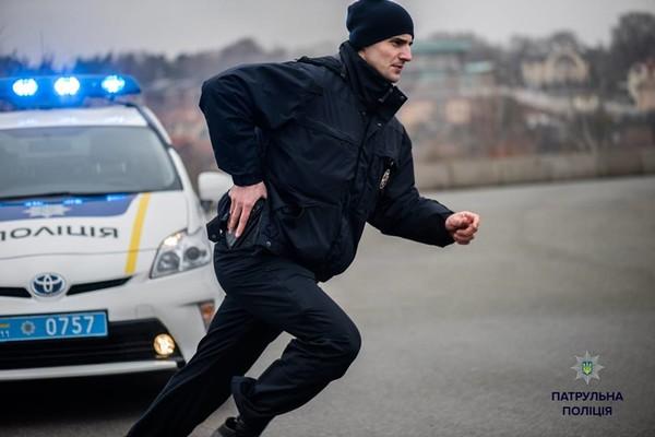 """""""За борг 15 гривень"""": на Тернопільщині неповнолітньому натягнули на голову пакет, запхали в машину і викрали"""