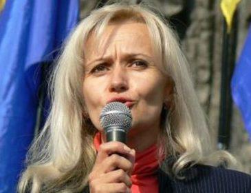 """Яблучко від яблуні? Софія Семчишин донька скандального """"мовника"""" України Ірини Фаріон"""