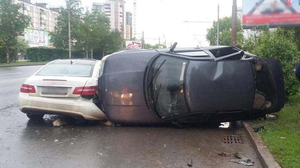 Ще одна трагедія: на Житомирщині помічник радника Президента потрапив у смертельну ДТП, багато постраждалих