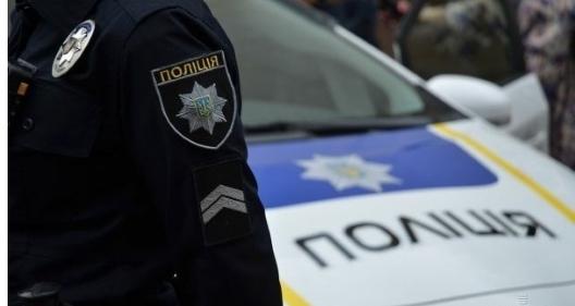 """""""Спочатку побили, а потім зняли труси"""": Під Києвом двоє чоловіків жорстоко познущались з поліцейського"""