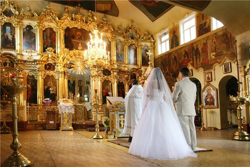 """""""Це перший в сучасній церковній практиці подібний документ"""": Московські священики прийняли новий церковний закон, тепер не всі зможуть взяти шлюб"""