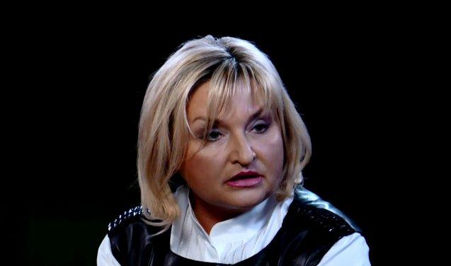 Шубу вдома забула? Ось як виглядала Ірина Луценко на зустрічі звільнених полонених у Харкові