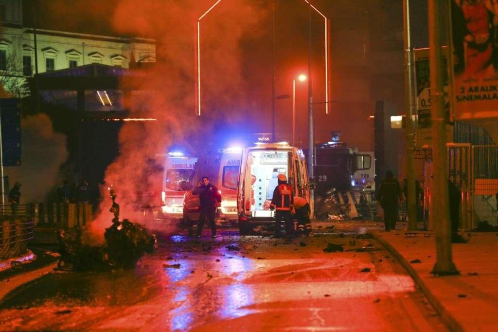 Щонайменше чотири людини загинули, ще 16 були поранені: вибух в церкві