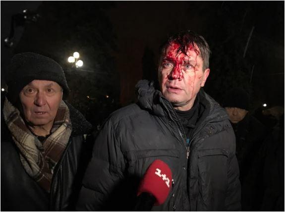 Петарди й побиття брусками правоохоронців: Вночі штурмували наметове містечко Саакашвілі, є перші жертви