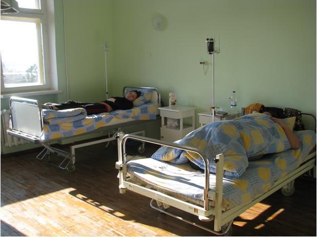 Болить голова, з'явилась діарея та блювота: Більше двох десятків вагітних госпіталізували з невідомою інфекцією