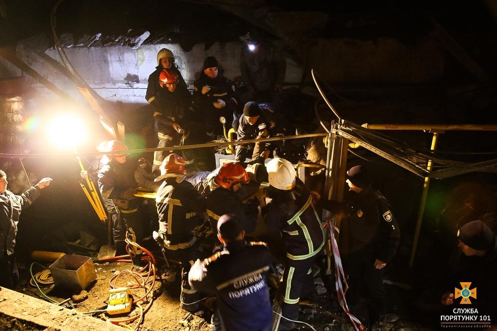 Обвалився дах: На заводі стався потужний вибух (Фото)
