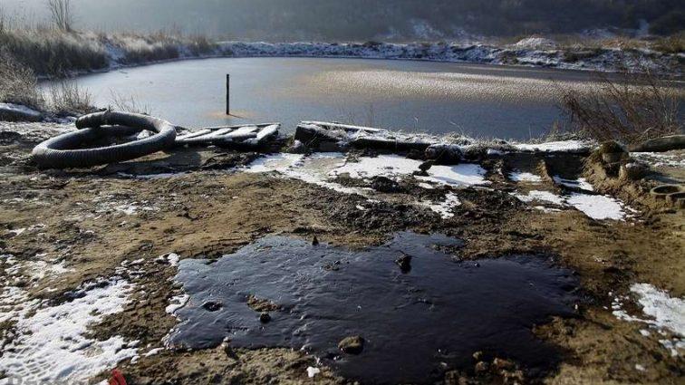 Загроза екологічної катастрофи! Мешканців Львівщини травлять токсичними викидами