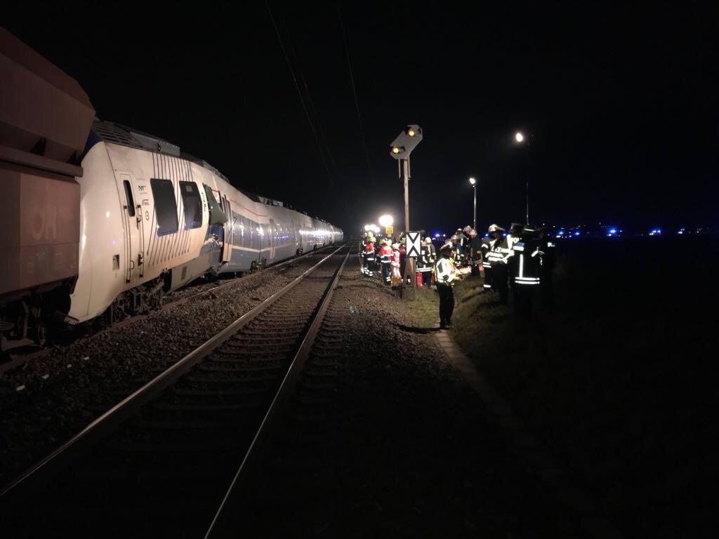 Жахлива трагедія: Зіткнулись два потяги, постраждали 50 людей