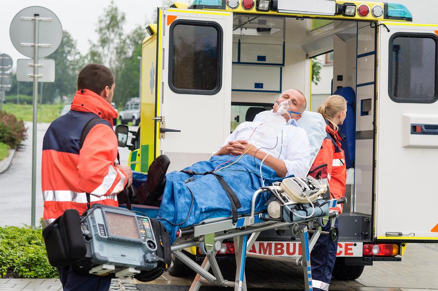 """«За кожного вбитого отримував по 300 євро»: Спіймали співробітника """"швидкої допомоги смерті"""""""