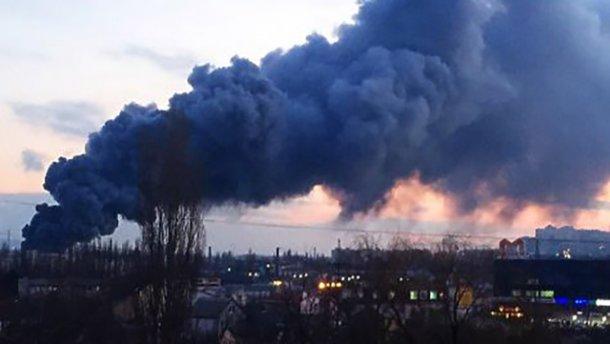 Терміново! Донецьк потерпає від масштабних вибухів