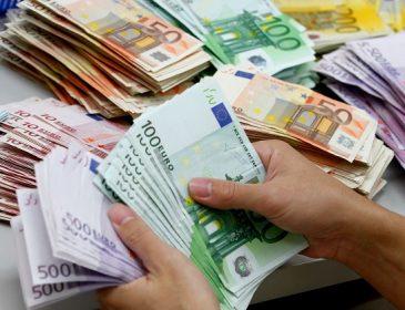 """""""До 65 тисяч гривень…"""": За що українцям платять у Литві"""