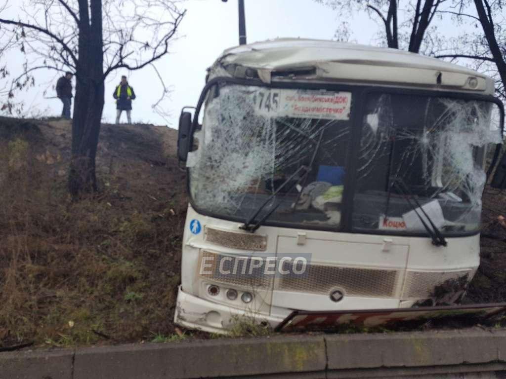 Терористичний акт! Польський автобус біля Львова обстріляли з гранатомета, – ЗМІ