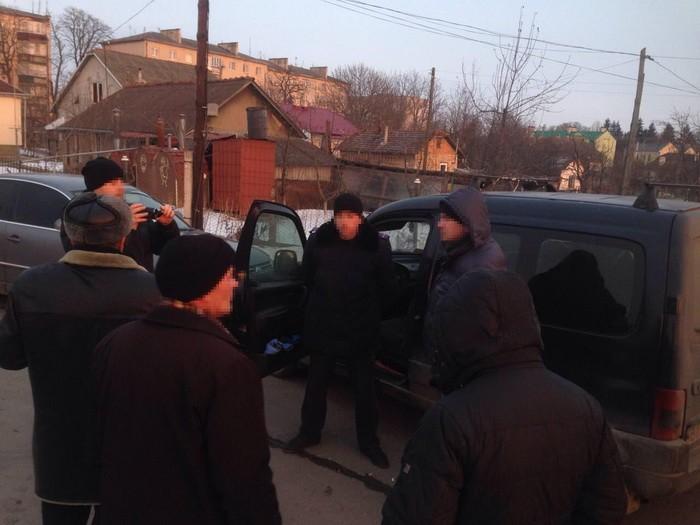 """Зловили """"на гарячому"""": на Львівщині міського голову затримали на величезному хабарі"""