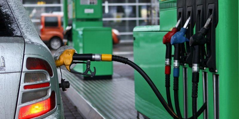 Через те що дешевший? В Україні заборонили продаж бензину і дизпалива цього стандарту