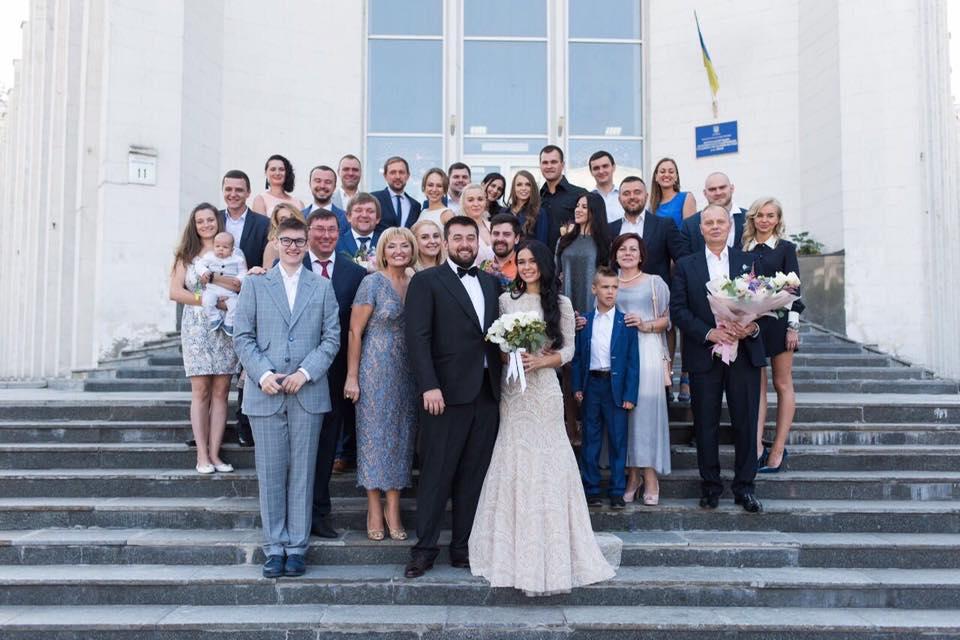 """""""Є сім'я нареченої, є сім'я нареченого…"""": Луценко зробила емоційну заяву про весілля сина"""