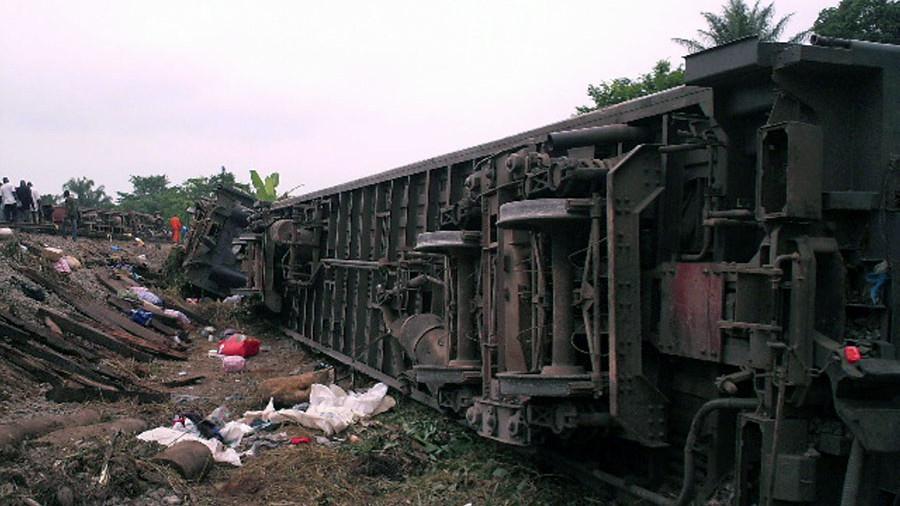 """""""Близько 100 постраждалих"""":  Потяг зійшов з рейок і загорівся, дізнайтеся подробиці"""