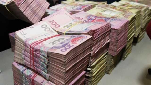 Українцям можуть підняти зарплату до 500 євро і змінити структуру окладів для бюджетників