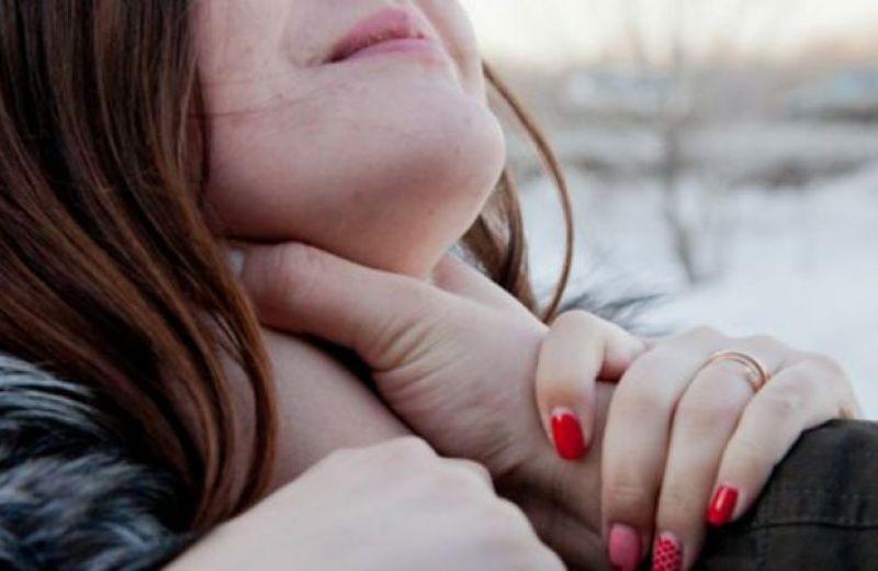 Молоду дівчину зґвалтували під час святкування Нового року