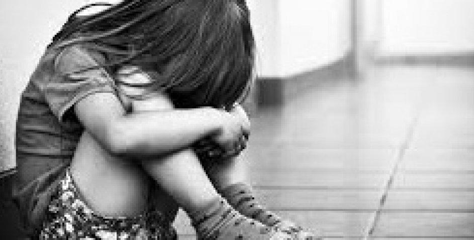 """""""Поїхала, лишивши дитину…"""": Родину, яка прихистила малюка, судитимуть за торгівлю людьми"""