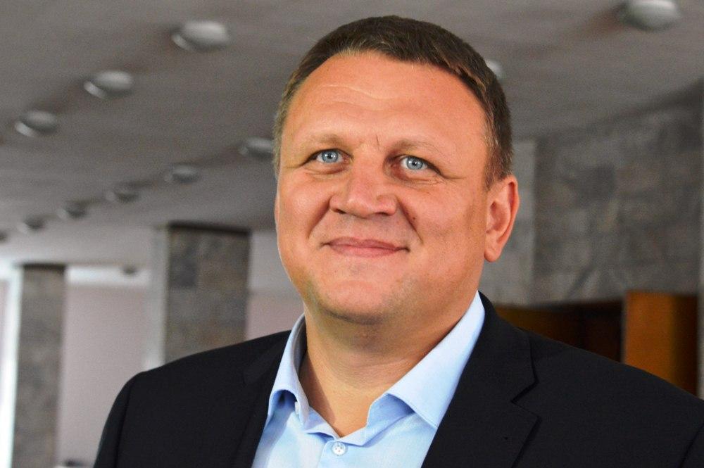 Чоловіка, котрий облив фекаліями прикарпатського нардепа Шевченка, оголосили у всеукраїнський розшук