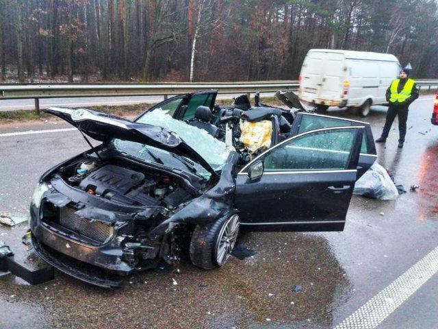 """""""Видовище не для слабких нервів"""": На Житомирщині відбійник наскрізь проштрикнув водія"""