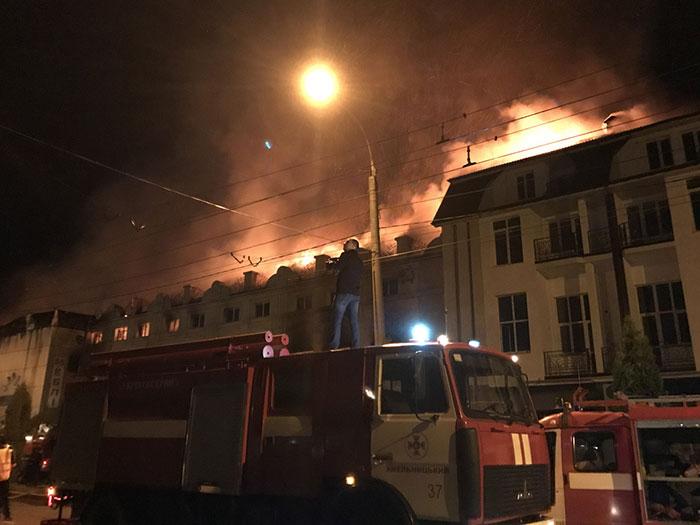 """""""Загинули як мінімум 17 осіб"""": На фабриці феєрверків сталася жахлива пожежа"""