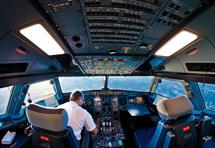 """""""На борту літака перебувало 324 пасажири"""": Пілоти покинули кабіну через сімейну бійку"""