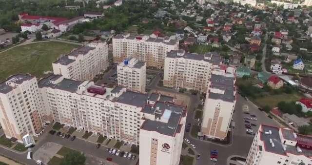 Один із підопічних Ляшка, завзято захищаючи мораторій на продаж сільгоспземлі, будує на ній багатоповерхівки