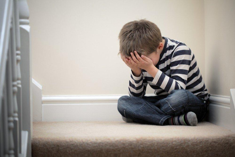"""""""Я плакав. Він робив мені боляче…"""": Священик зґвалтував 9-річного хлопчика"""