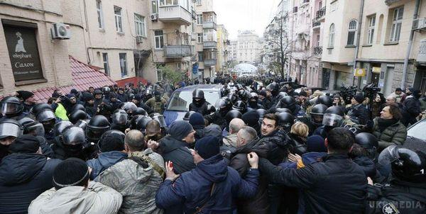 Терміново! Протестувальники перекрили центр Києва, дізнайтеся, що ж там коїться