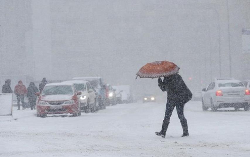 """""""Знову похолодання і пів-України засипле снігом"""": Синоптики дали прогноз на початок робочого тижня"""