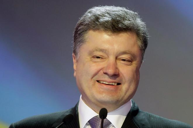 """""""Петя, дай цукерку!"""": Тільки погляньте, яким Порошенко був у дитинстві. Приголомшливі факти про президента"""