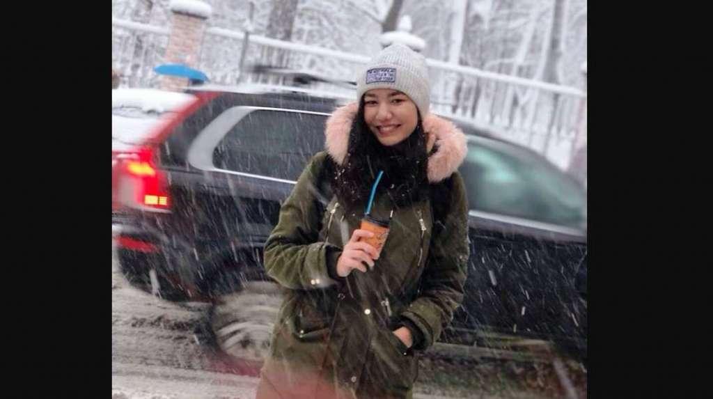 """""""Навіть не прочитавши, порвала заяву"""": У Києві студентка стрибнула з мосту Патона через конфлікт з деканатом"""