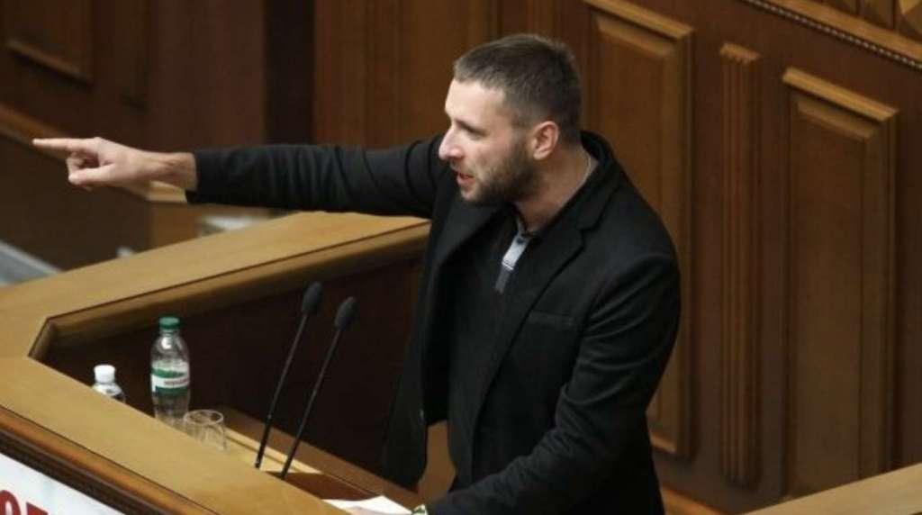 """""""Продемонстрував свій страх та немічність"""": Парасюк в ефірі одного з телеканалів зробив гучну заяву про президента"""