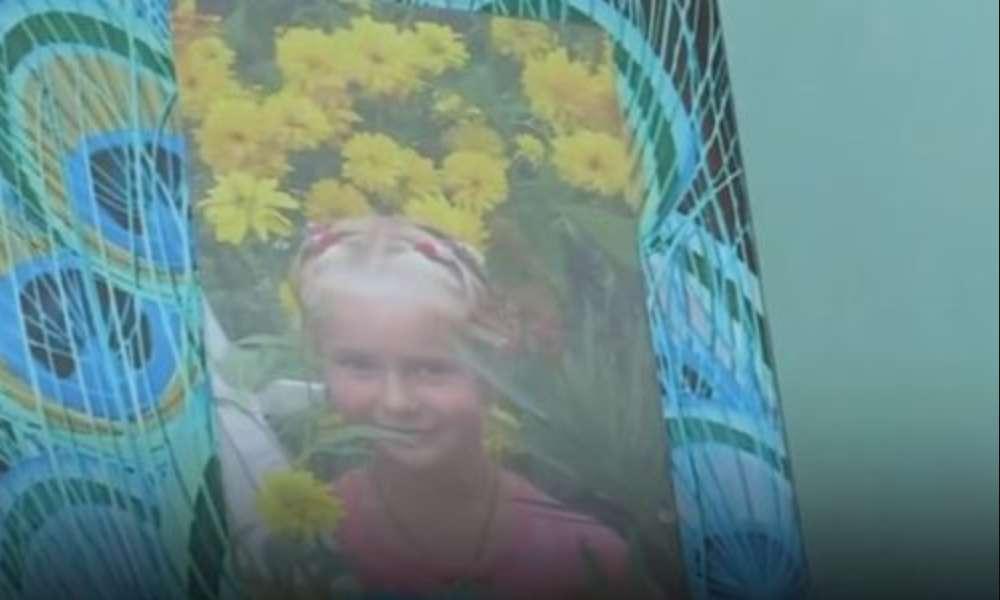 """""""Збиралась до мами в Польщу"""": 12-річна школярка покінчила життя самогубством"""