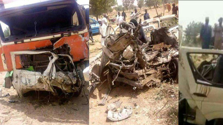 """""""Залишився один металолом"""": Шкільний автобус зіткнувся з вантажівкою. Загинуло 22 дітей"""