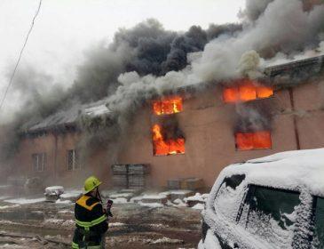 Потужна пожежа в великому торговому центрі: Вогонь не вдавалося зупинити більше 5 годин