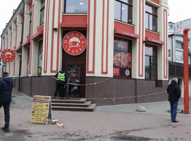 """""""Льоша, не вмирай. Льоша, тримайся"""": Стали відомі подробиці загадкової смерті в ресторані в центрі Києва"""