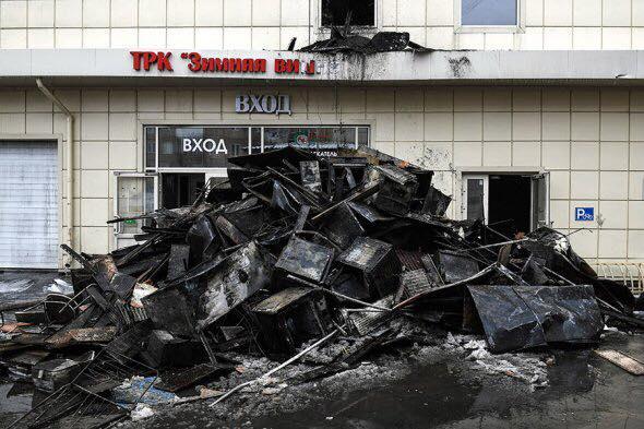 """""""Морги завалено, мішків для трупів вже не вистачає"""": Очевидці стверджують, що в Кемерово загинуло майже 400 людей"""
