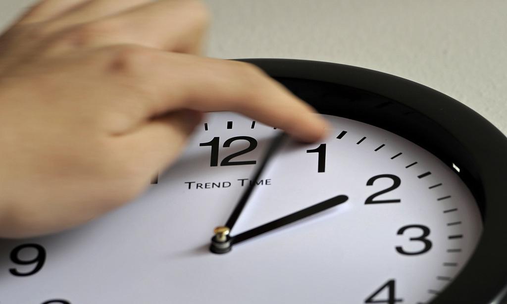 В Україні хочуть скасувати перехід на літній час: Що потрібно знати про переведення годинника