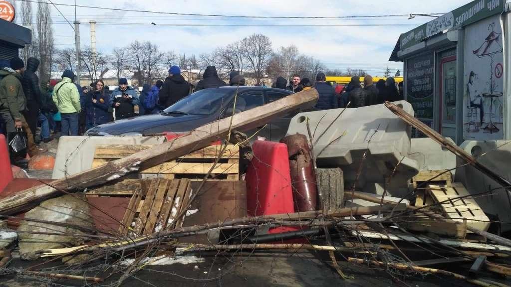 Масштабна ДТП: Вантажівка виїхала на зустрічну смугу руху та скоїла зіткнення з п'ятьма автомобілями