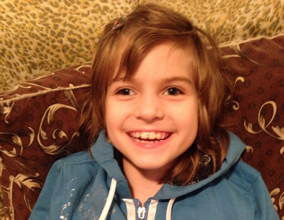 """""""Бореться одразу з двома важкими хворобами"""": 8-річна Вікторія потребує термінової допомоги"""