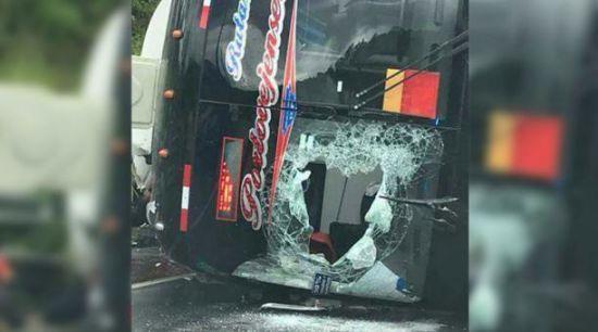 Жахлива ДТП: Перекинувся пасажирський автобус, 12 осіб загинуло