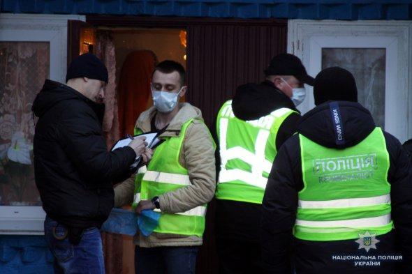17-річний хлопець приїхав з навчання і виявив вдома закривавлені тіла батьків, які…