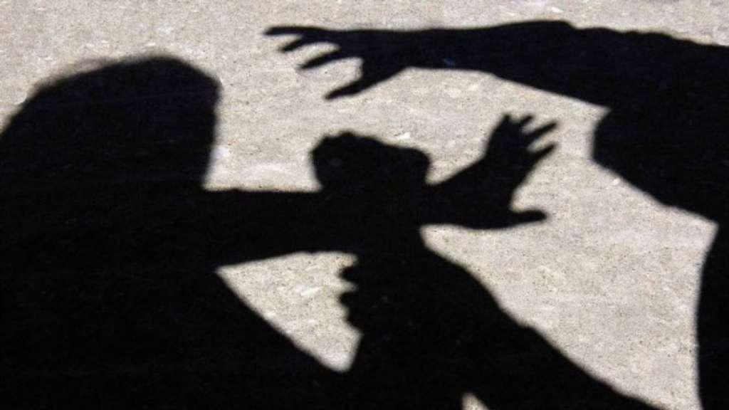 """""""Гвалтівників 17-річної дівчини роздягнули до гола і вели по вулиці…"""": Натовп жорстоко розправився з чоловіками"""