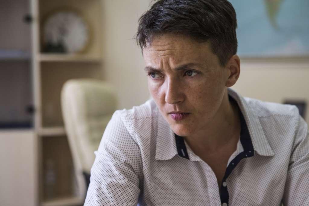 """""""Схудла, змарніла трішки…"""": Адвокати Савченко відвідали її в СІЗО"""