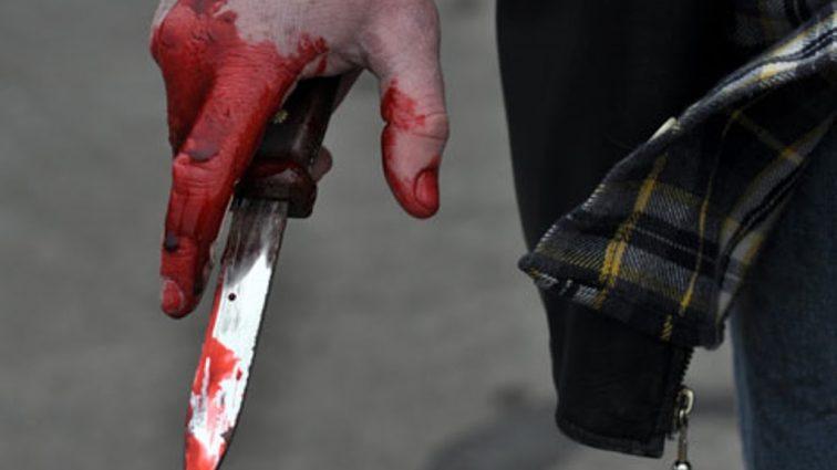 """""""Прийшла забирати сина з садочка, а натомість…"""": Невідомий наніс жінці 10 ножових поранень"""