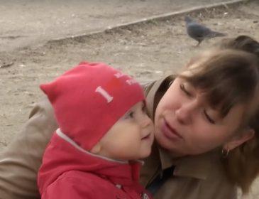 """""""Я сказала, що вагітна. А він сказав …"""": Екс-помічниця депутата вимагає від нього визнати дитину"""